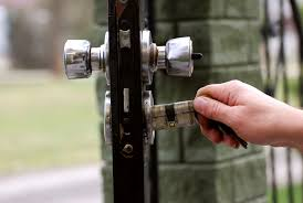 Should You Install A Security Fence Gate Lock Utah Fence Warehouse