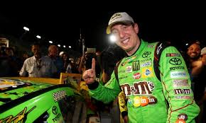 Kyle Busch Nascar Sprint Cup Champion Jumps Out Of His Car During Traffic Jam To Sign A Fan S Hat