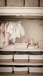 cómo organizar la ropa del bebé