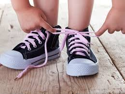 OT tips and tricks for teaching kids to tie their shoelaces - Source Kids
