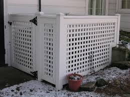 White Wood Lattice Panels To Hide The Garbage Cans Patios Jardines Terrazas