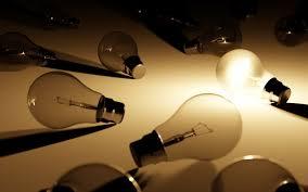 Bollette luce e gas: fine del regime di tutela. Chi non sceglie un operatore del mercato libero resta senza fornitore e finisce all'asta