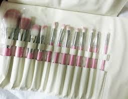 beauty make up brushes with lush brush