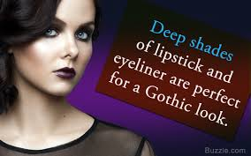 look with these gothic makeup ideas