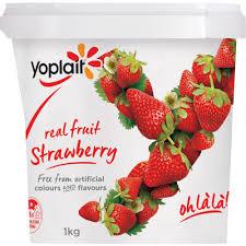 yoplait yoghurt tub strawberry 1kg