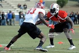 Kevin Norwood of the South team works against Chris Davis during a...  ニュース写真 - Getty Images