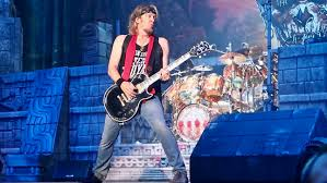 "IRON MAIDEN's ADRIAN SMITH – ""I Never Thought I'd Be Touring This ..."