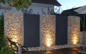 20 Cool Garden Fence Decoration Ideas To Try This Year Coodecor Fence Design Fence Decor Backyard Fences