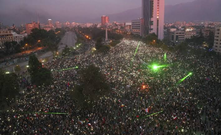 PROTESTOS NO CHILE: OS 3 ACORDOS NACIONAIS QUE PIÑERA PROPÕE PARA TENTAR CONTER A VIOLÊNCIA POLÍTICA
