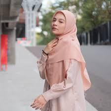 Hasil gambar untuk hijab voal polos