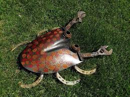 big shovel crab welded garden art