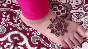 mehndi design images circle