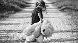 صور حزينة لطفله عن الفراق Sad Girls صور حزينة Sad Images