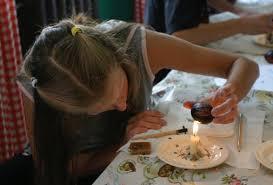 teaching pysankarstvo wax removal