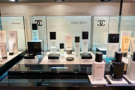 chanel opens first cosmetic boutique in