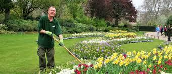 landscape gardener gloucester