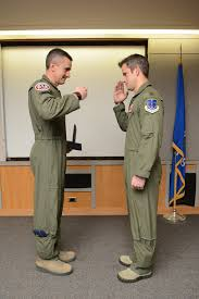 RC-26 pilot receives Meritorious Service Medal