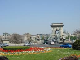 Adam Clark Square - What on Earth? - Absolute Tours Budapest