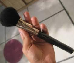 mac 150 large powder brush review