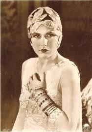 1920's Actress Evelyn Brent | Art deco fashion, Fashion film, Vintage  hollywood
