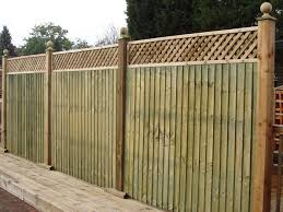 5 Heavy Duty Feather Edge Panel Plus 1 Standard Privacy Lattice Jw Fencing