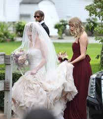 Taylor Swift Looks Stunning as a Bridesmaid For BFF Abigail ...