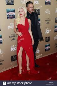 Lady Gaga e il suo fidanzato Taylor Kinney 011 al premiere screening di  American Horror Story -
