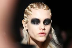 at marc jacobs dark makeup as