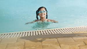 kids swimming algonquin