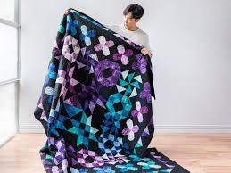 Glorious Dawn Botanical Hydrangea Quilt-Along by Myra Barnes featuring  Boundless Blenders Botanical | Bluprint | Quilts, Quilting techniques,  Quilt care