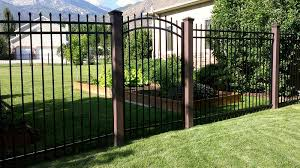 Trex Fence Posts With Ornamental Arch Top Gate Trex Fencing The Composite Alternative To Wood Vinyl