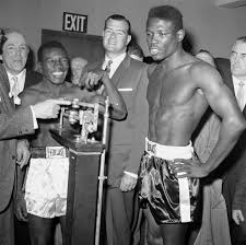 Around sports: Former boxing champion Griffith dead at 75 -  HoustonChronicle.com