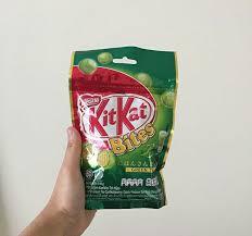 kitkat bites food drinks packaged
