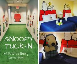 snoopy tuck in at knott s berry farm