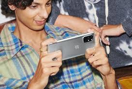 OnePlus 8T vs OnePlus 8 Pro - PhoneArena