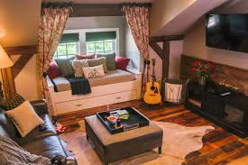10 Window Seats Reading Nooks And Other Cozy Indoor Spots Hgtv S Decorating Design Blog Hgtv