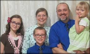 Jonathan and Hannah Speights - Baptist World Mission