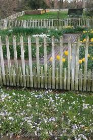 Diy Garden Fence Ideas To Keep Your Plants Safely Tags Easy Diy Garden Fence Diy Garden Fence Plans Diy Garden Fence Small Garden Fence Picket Fence Garden