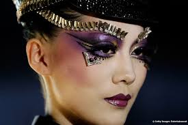 eye make up a cosmetic history lesson