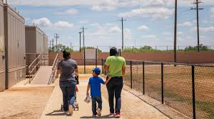 Despite Warnings Trump Moves To Expand Migrant Family Detention The New York Times