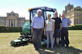 Ransomes chosen for Palace Gardens | Pitchcare