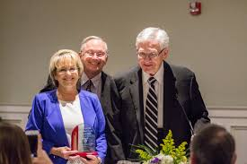 Ouachita's annual Elrod Center Banquet honors Jim and Janie Smith and  student volunteers