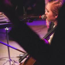 Hire Rachelle Smith - Cellist in Lakewood, Washington