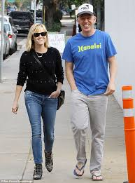 Reese Witherspoon heads out for lunch with filmmaker Mike White ...