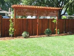 38 Beautiful Backyard Decorating Ideas With Privacy Fences