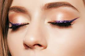 yes you can rock glitter makeup