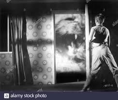 GRANT WILLIAMS in THE INCREDIBLE SHRINKING MAN 1957 director JACK ...