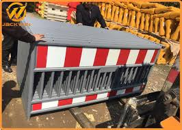 China Temporary Road Traffic Plastic Safety Barrier Fence For Road Construction China Traffic Barrier Safety Barrier