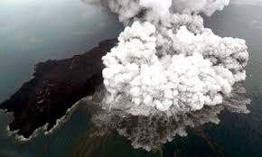 authorities raise anak krakatau volcano threat level