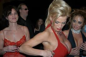 File:Amber Lynn and friends at 2005 AEE Awards 2.jpg - Wikimedia ...
